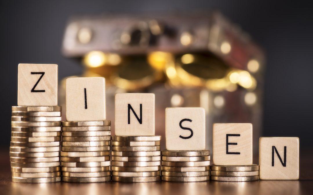 Mit Minus-Zinsen beim Hauskauf Geld verdienen