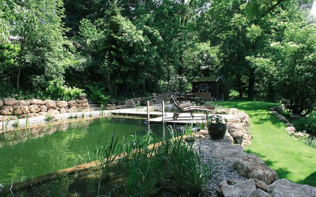 Badevergnügen in natürlicher Umgebung